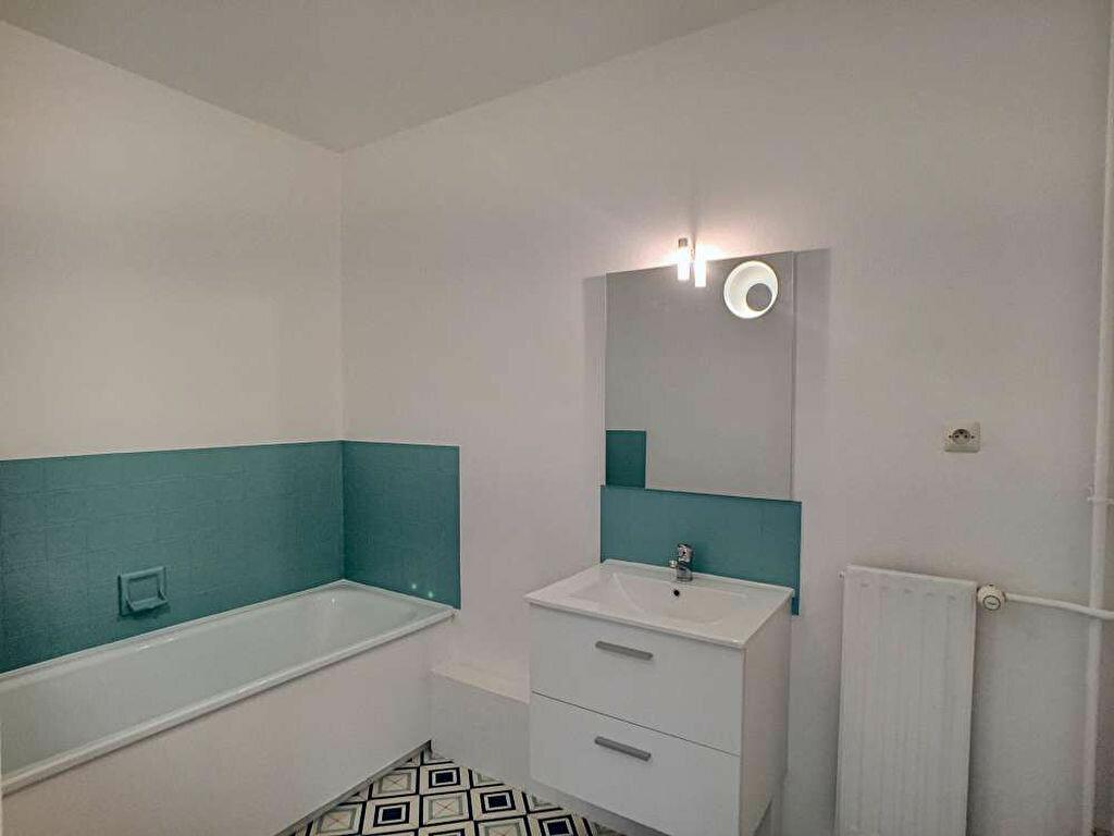 Appartement à louer 2 50.59m2 à Olivet vignette-4