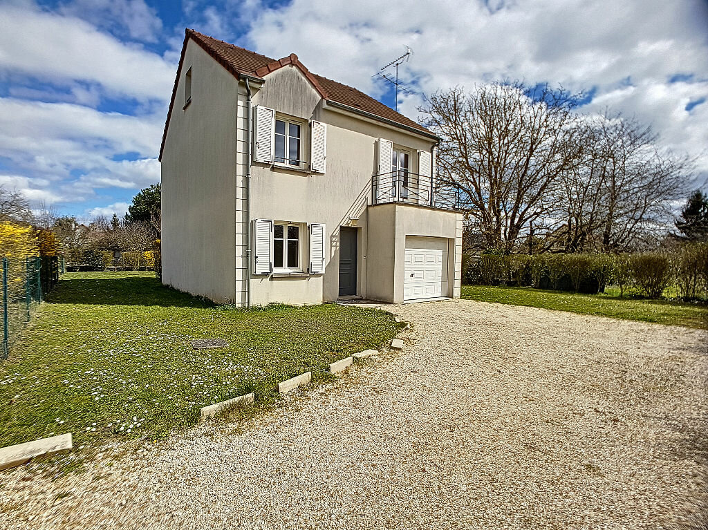 Maison à louer 5 122.25m2 à La Chapelle-Saint-Mesmin vignette-1