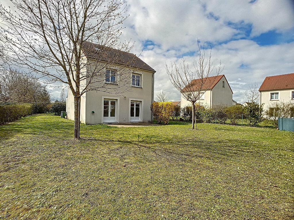 Maison à louer 5 122.25m2 à La Chapelle-Saint-Mesmin vignette-13