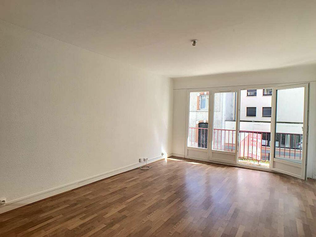 Appartement à louer 3 66.89m2 à Orléans vignette-1