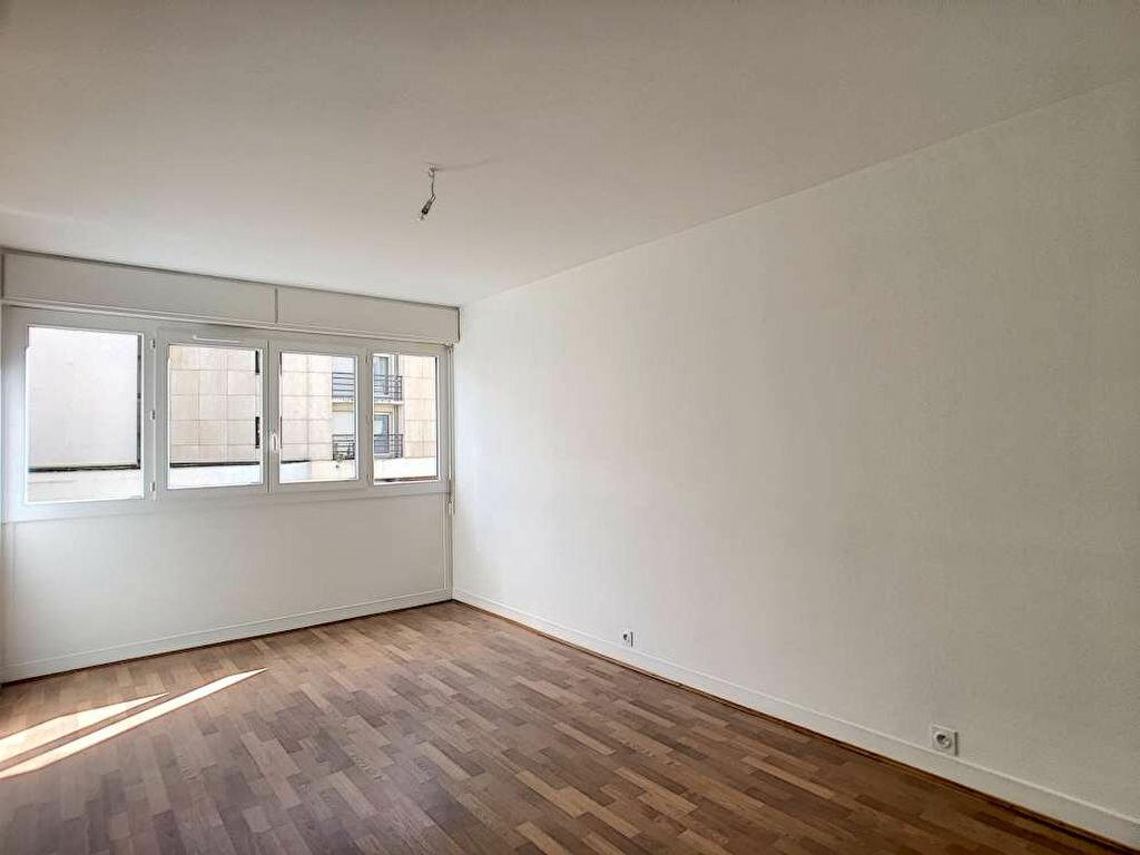 Appartement à louer 3 66.89m2 à Orléans vignette-4