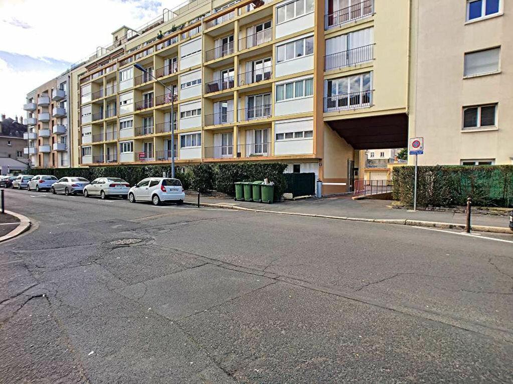 Appartement à louer 3 66.89m2 à Orléans vignette-5