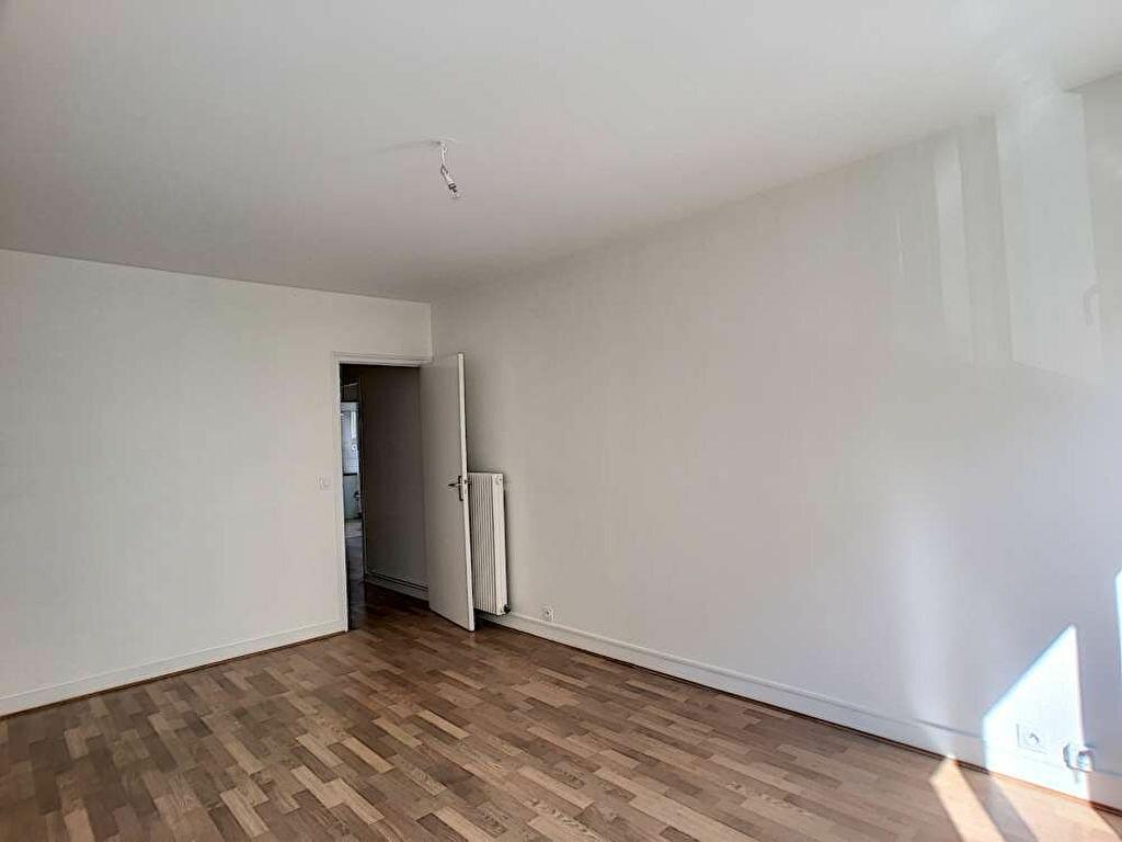 Appartement à louer 3 66.89m2 à Orléans vignette-6