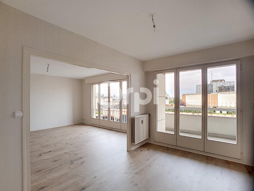 Appartement à louer 4 94.64m2 à Orléans vignette-2