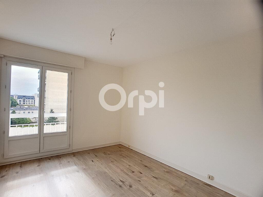 Appartement à louer 4 94.64m2 à Orléans vignette-6