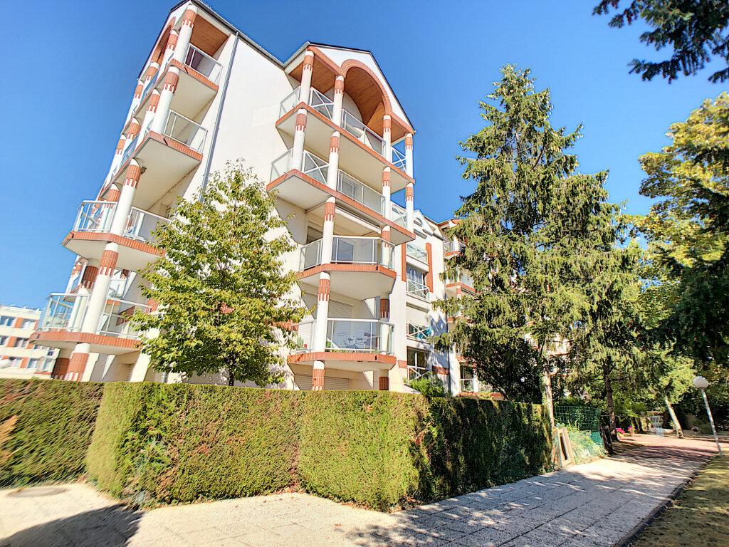 Appartement à louer 3 73.9m2 à Orléans vignette-1