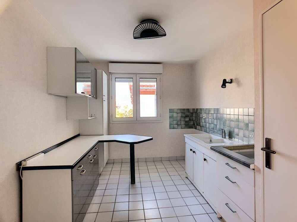 Appartement à louer 3 73.9m2 à Orléans vignette-3