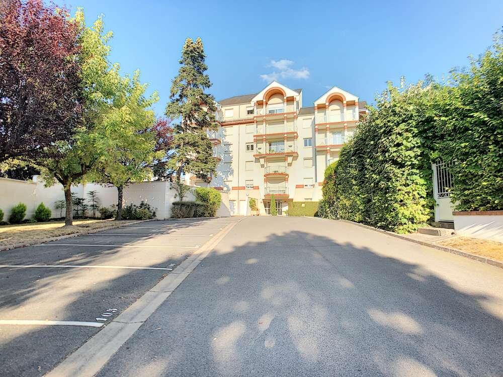 Appartement à louer 3 73.9m2 à Orléans vignette-5
