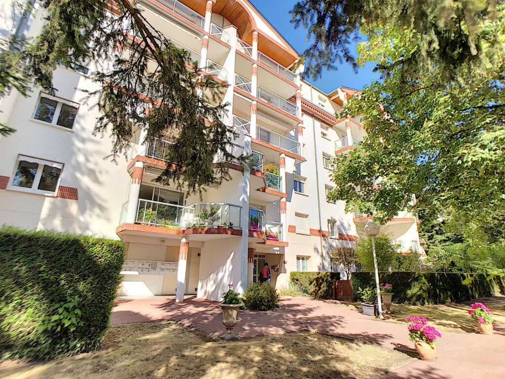 Appartement à louer 3 73.9m2 à Orléans vignette-8