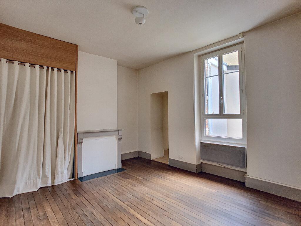 Appartement à louer 3 66.75m2 à Orléans vignette-5
