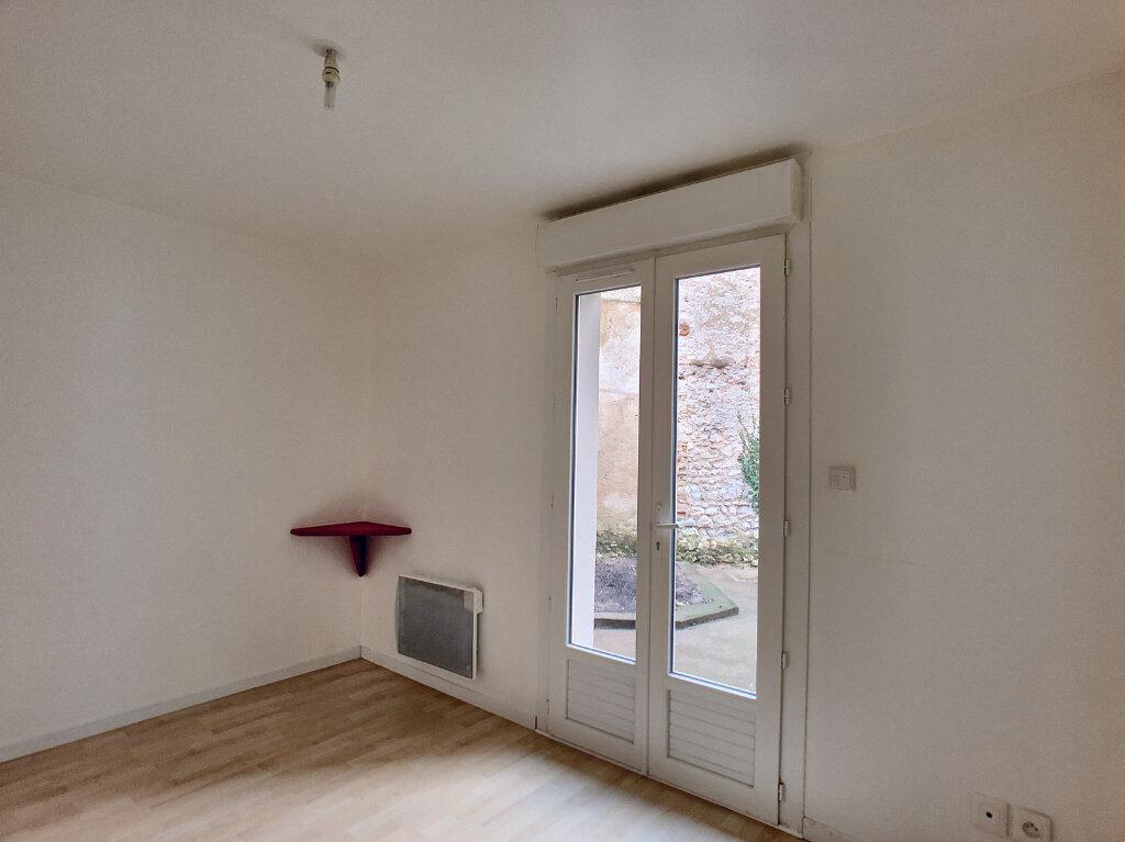 Appartement à louer 3 66.75m2 à Orléans vignette-7