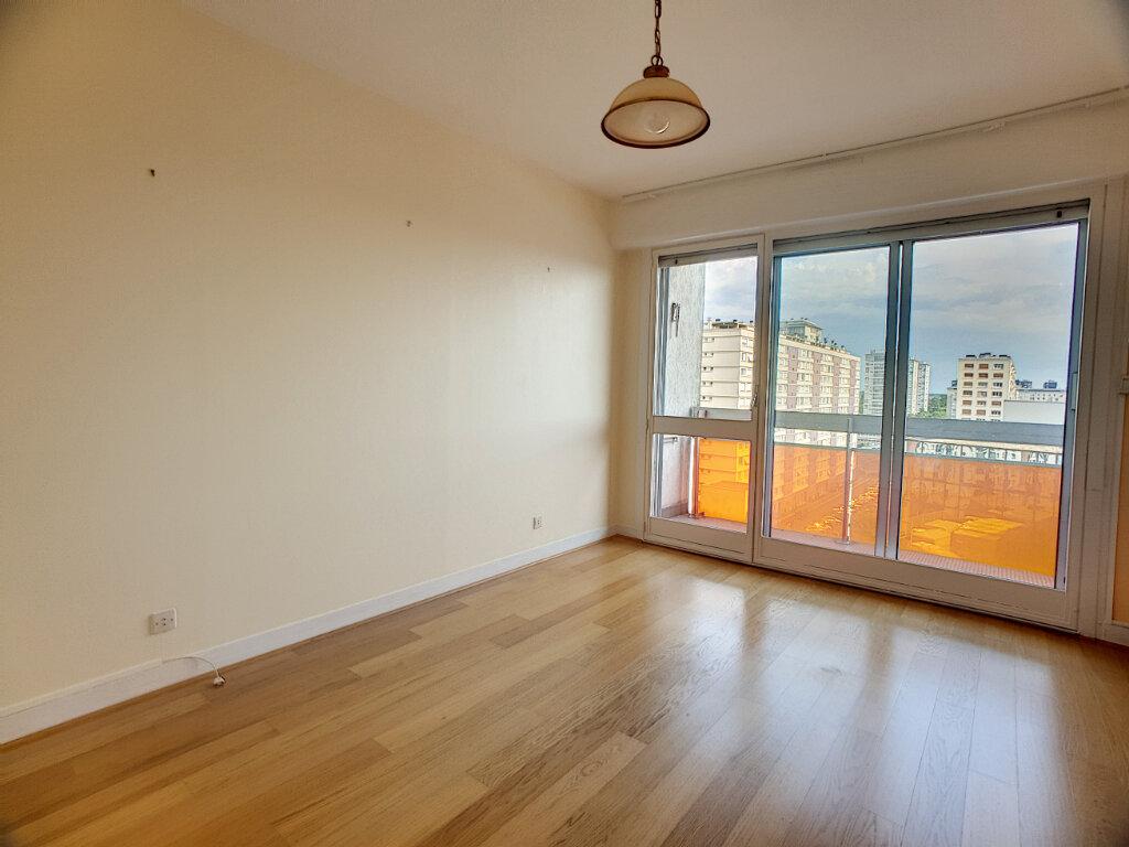 Appartement à louer 4 86.02m2 à Orléans vignette-1