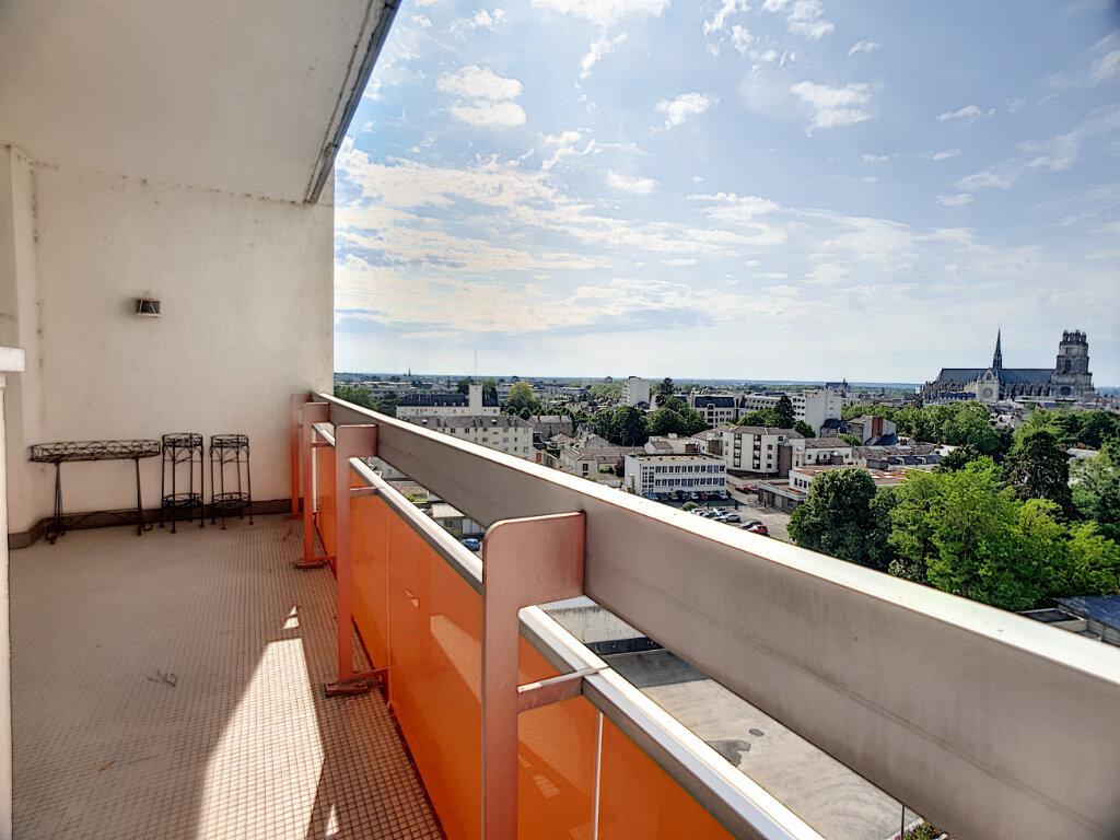 Appartement à louer 4 86.02m2 à Orléans vignette-2