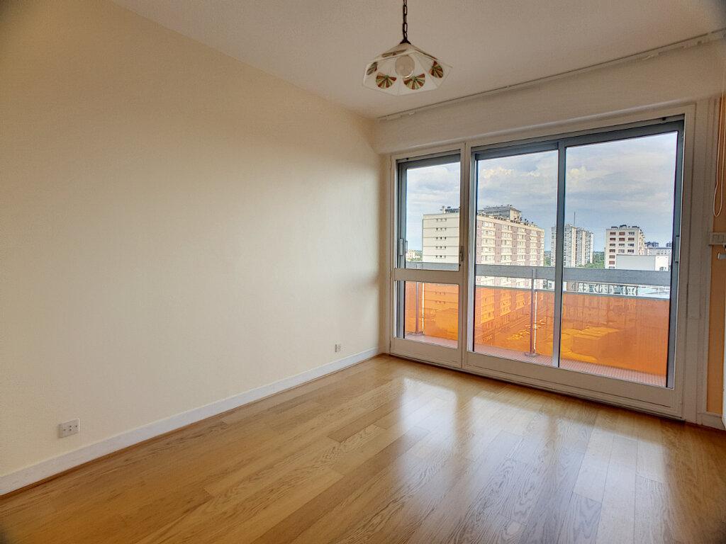 Appartement à louer 4 86.02m2 à Orléans vignette-5