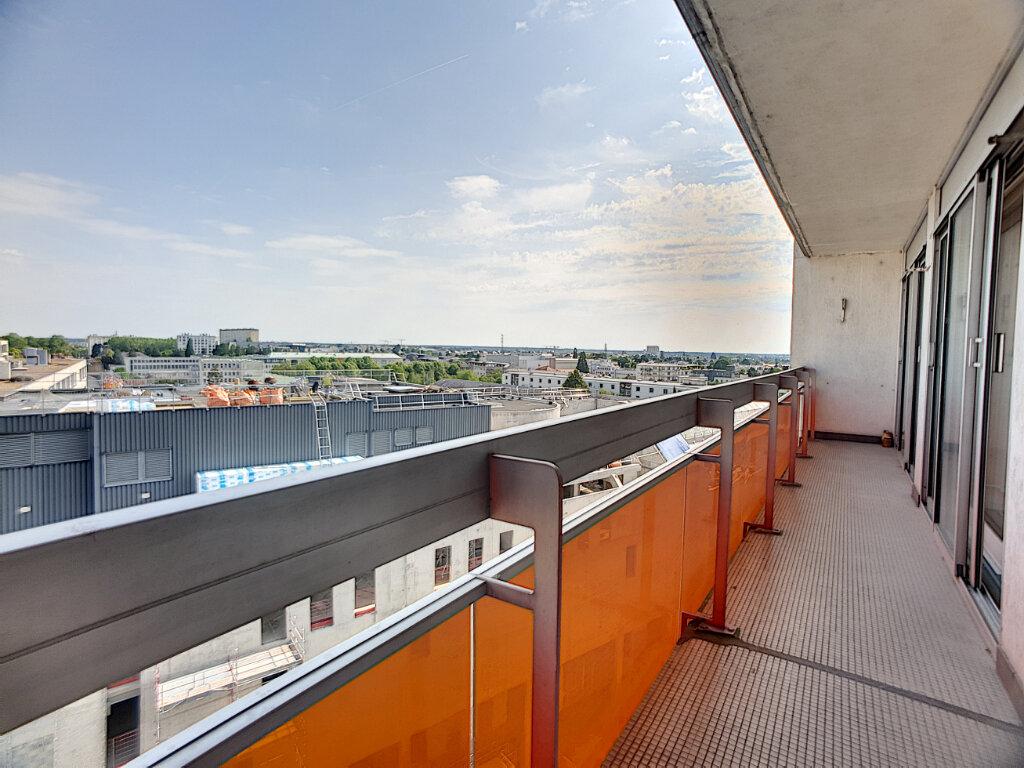 Appartement à louer 4 86.02m2 à Orléans vignette-8