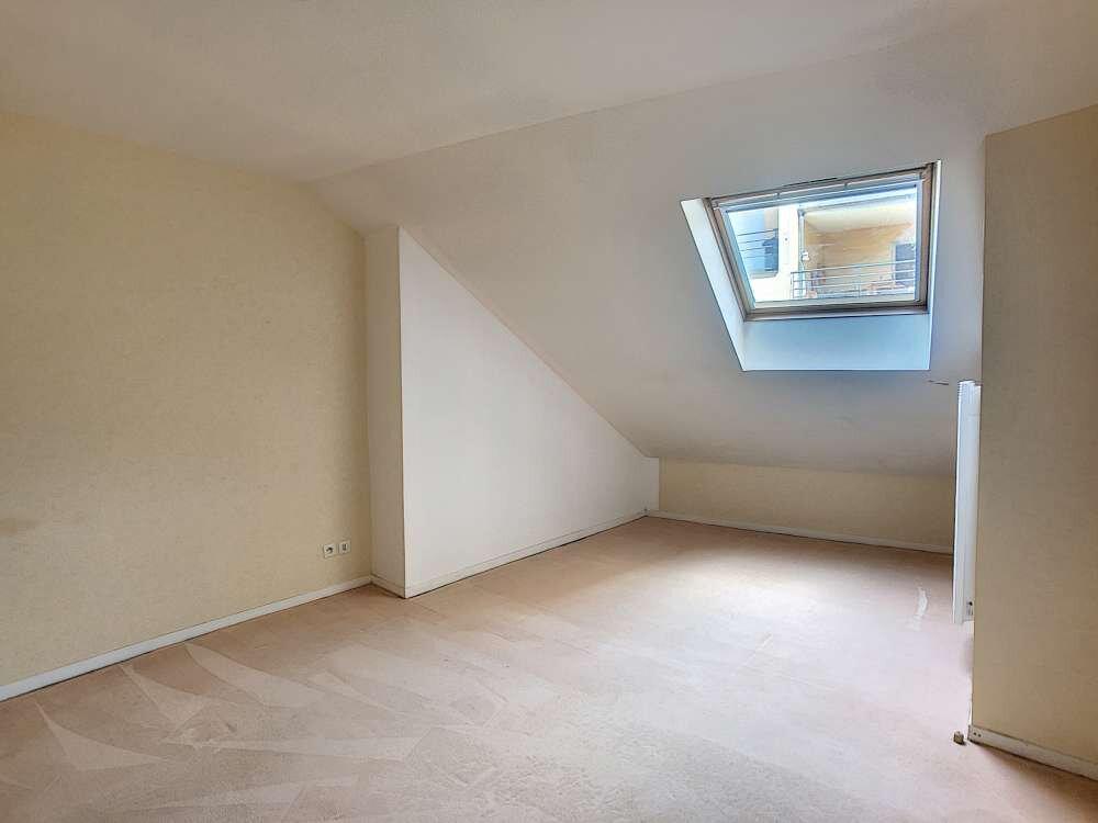 Appartement à louer 4 92.47m2 à Orléans vignette-3