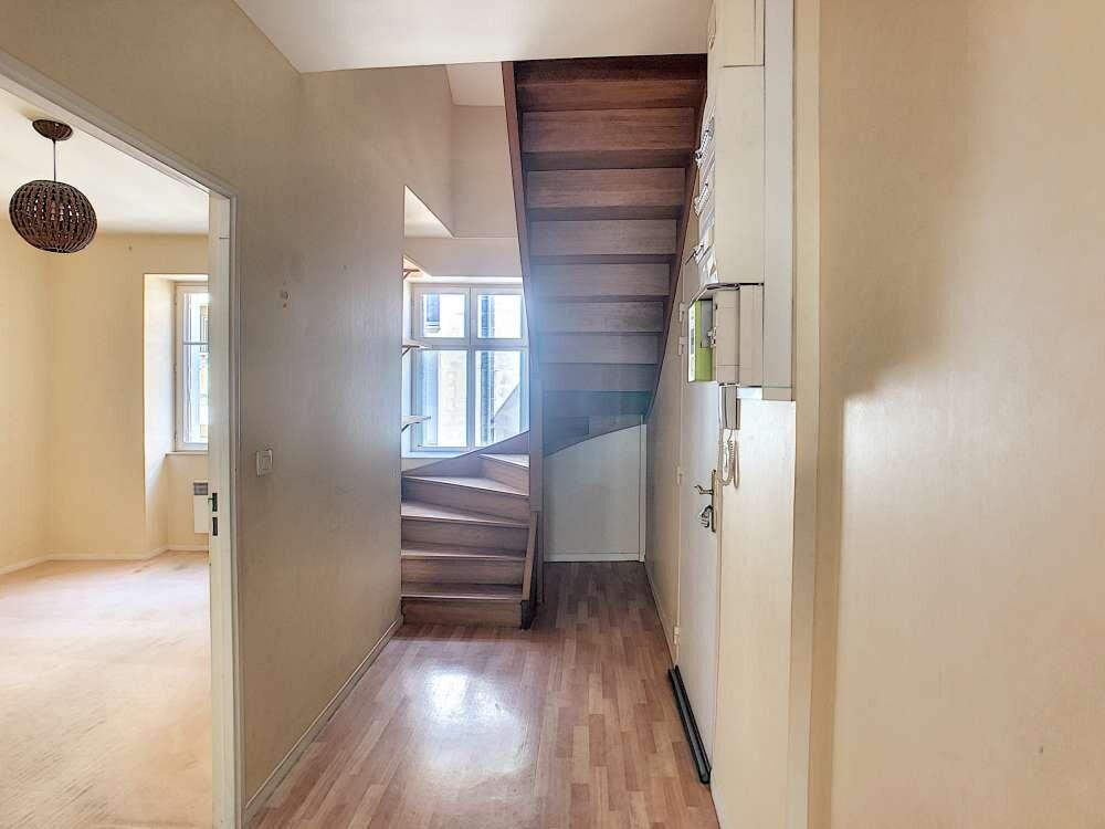 Appartement à louer 4 92.47m2 à Orléans vignette-9