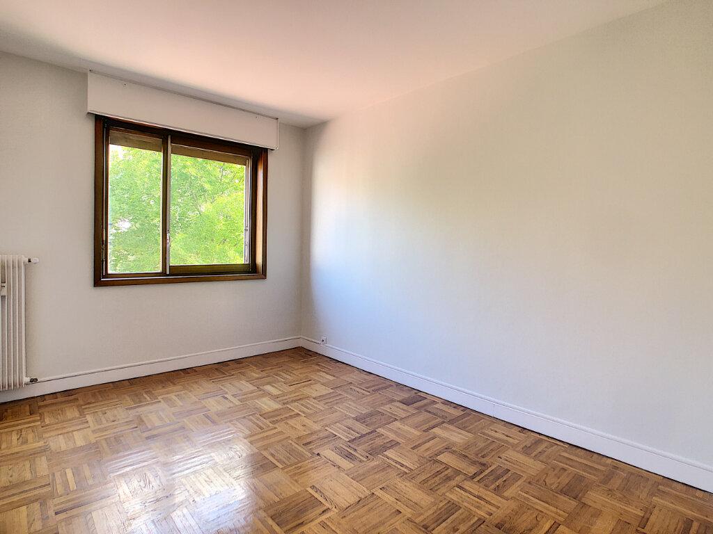 Appartement à louer 3 66.4m2 à Orléans vignette-4