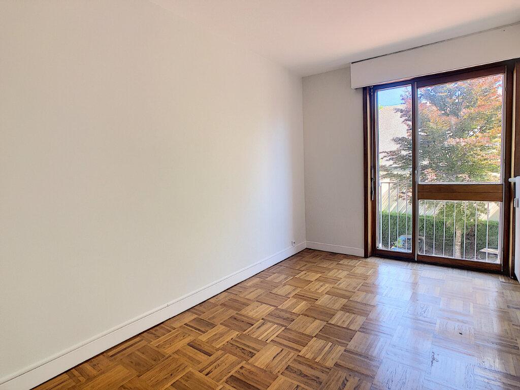 Appartement à louer 3 66.4m2 à Orléans vignette-5