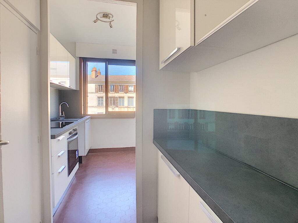 Appartement à louer 3 66.4m2 à Orléans vignette-7