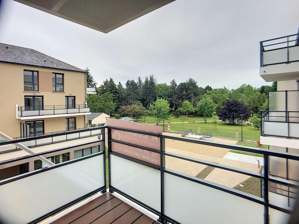 Appartement à louer 3 61.38m2 à Orléans vignette-1