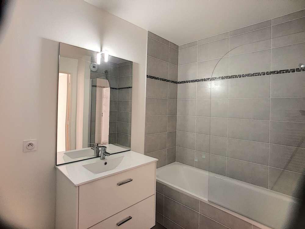 Appartement à louer 3 61.38m2 à Orléans vignette-7