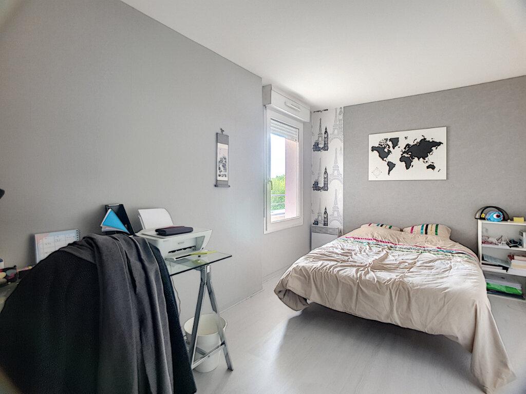Appartement à louer 3 67.1m2 à Orléans vignette-3