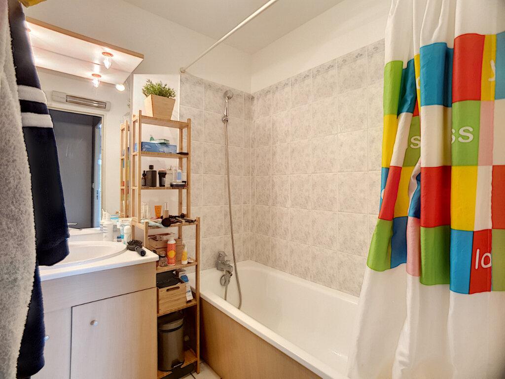 Appartement à louer 3 67.1m2 à Orléans vignette-5