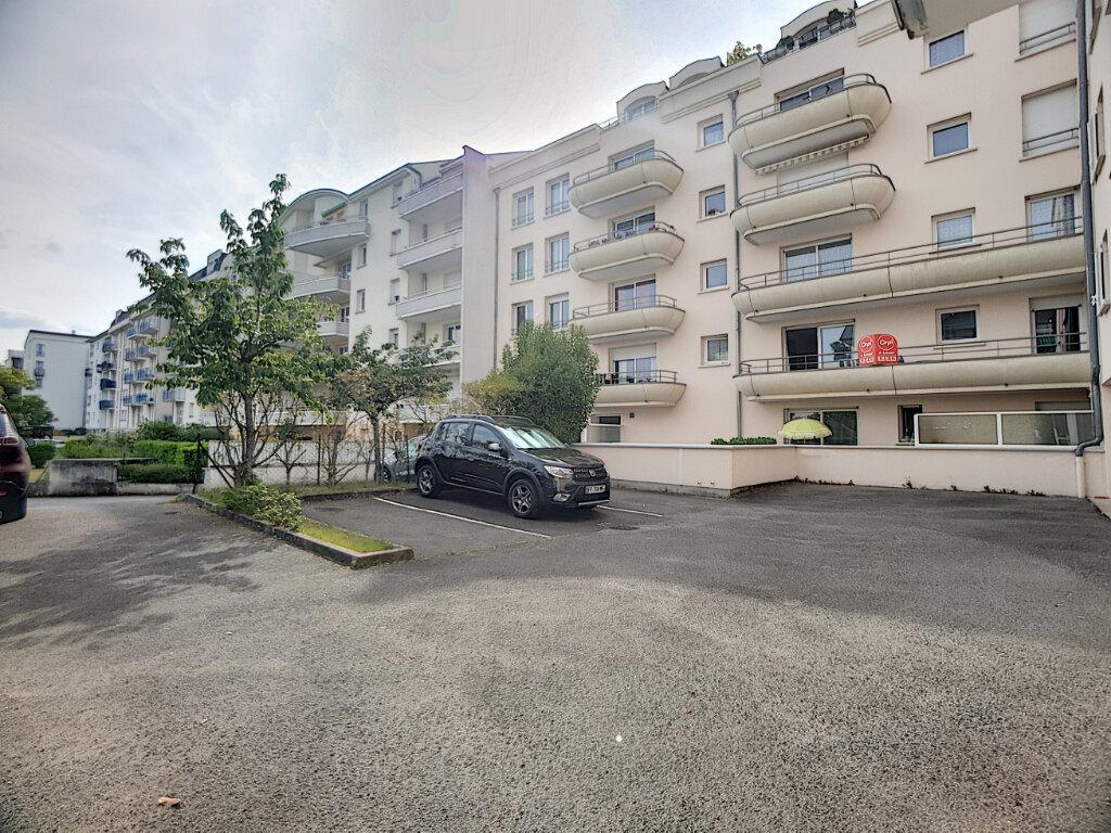 Appartement à louer 3 67.1m2 à Orléans vignette-7