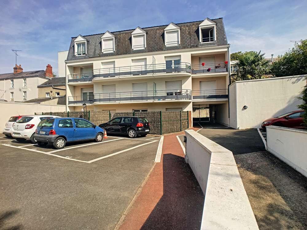 Appartement à louer 2 42.5m2 à Orléans vignette-1