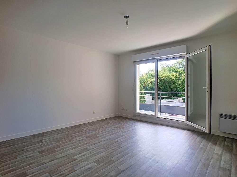 Appartement à louer 2 42.5m2 à Orléans vignette-2