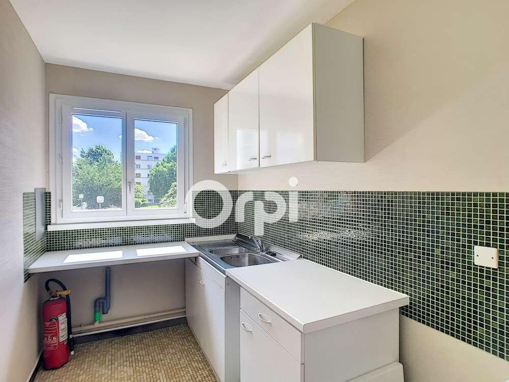 Appartement à louer 2 45.7m2 à Saint-Jean-de-la-Ruelle vignette-4