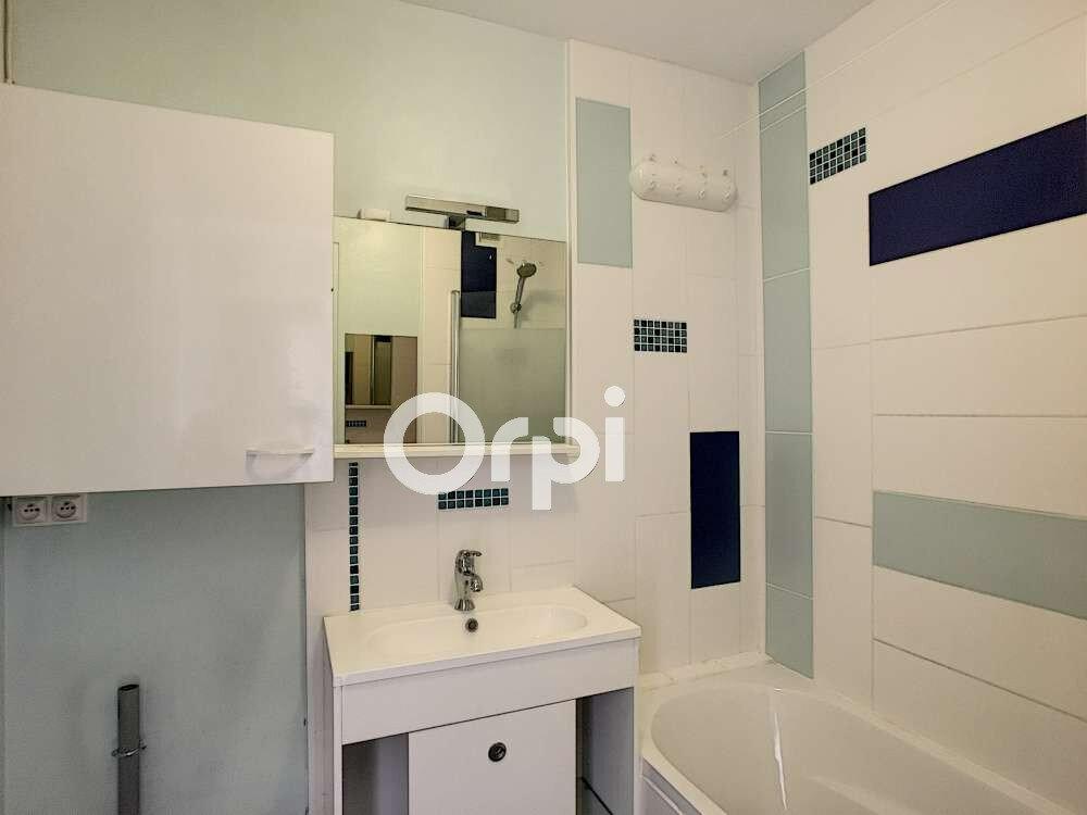 Appartement à louer 2 45.7m2 à Saint-Jean-de-la-Ruelle vignette-9