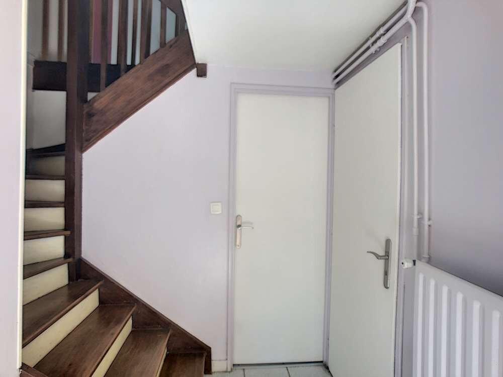 Maison à louer 5 109.45m2 à Saint-Jean-de-la-Ruelle vignette-5