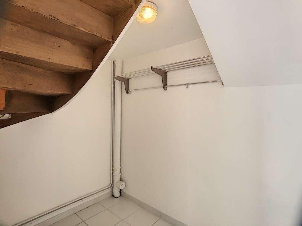 Maison à louer 5 109.45m2 à Saint-Jean-de-la-Ruelle vignette-6