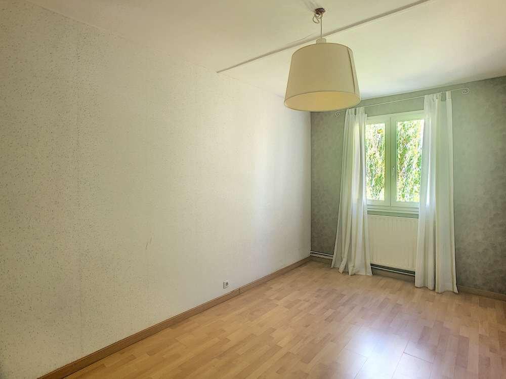 Maison à louer 5 109.45m2 à Saint-Jean-de-la-Ruelle vignette-12