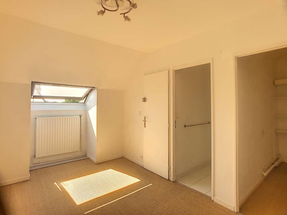 Maison à louer 5 109.45m2 à Saint-Jean-de-la-Ruelle vignette-15