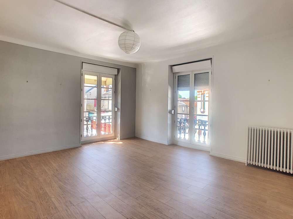 Appartement à louer 3 69.48m2 à Orléans vignette-1