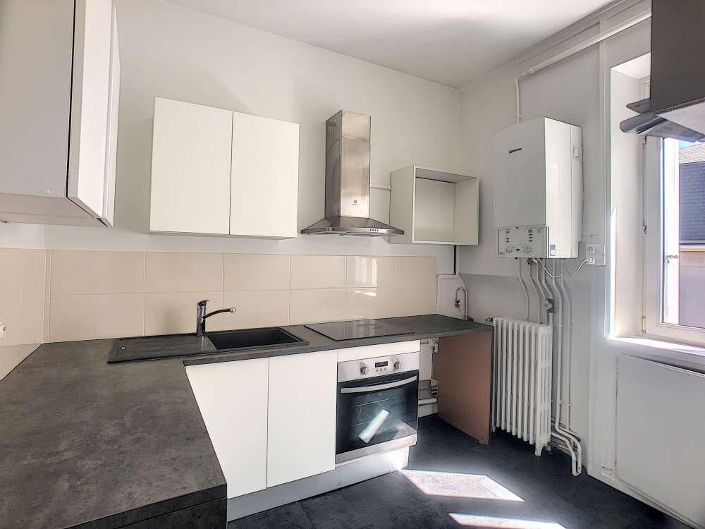 Appartement à louer 3 69.48m2 à Orléans vignette-3