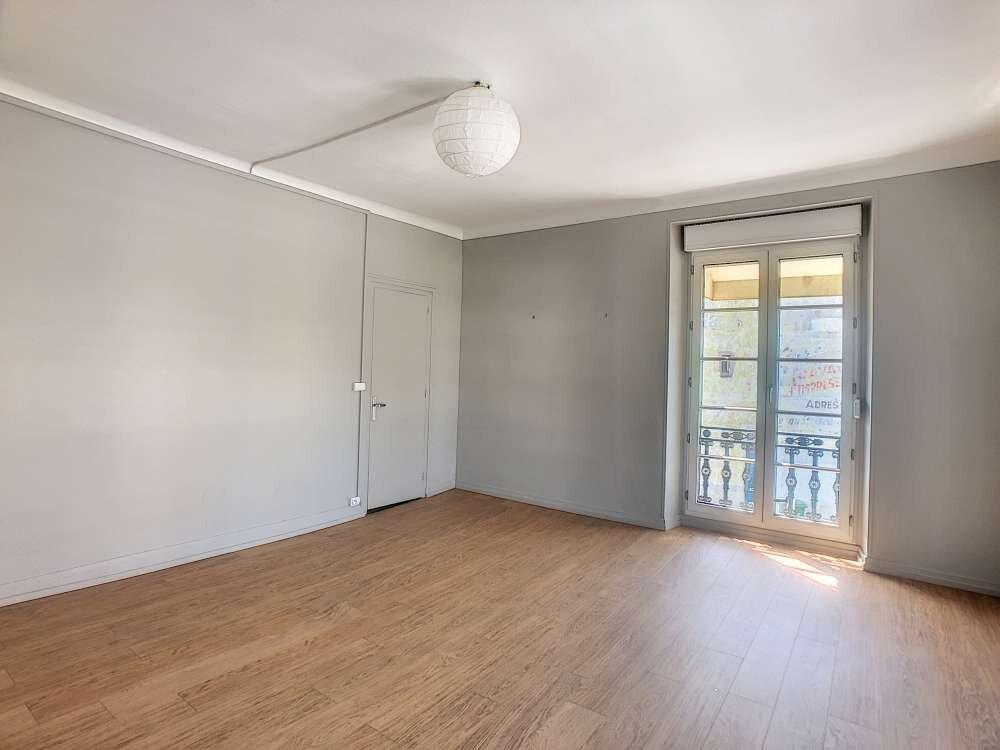 Appartement à louer 3 69.48m2 à Orléans vignette-4