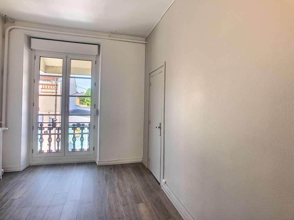 Appartement à louer 3 69.48m2 à Orléans vignette-6