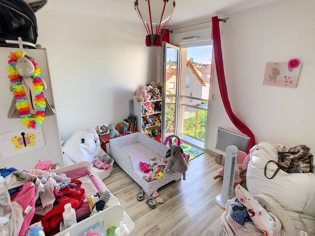 Appartement à vendre 3 69.25m2 à Fleury-les-Aubrais vignette-7