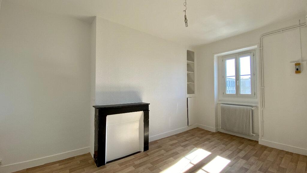 Appartement à louer 3 60m2 à Orléans vignette-4