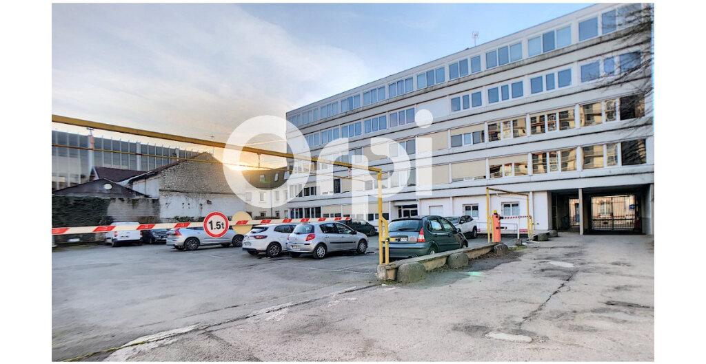 Stationnement à louer 0 10m2 à Orléans vignette-1