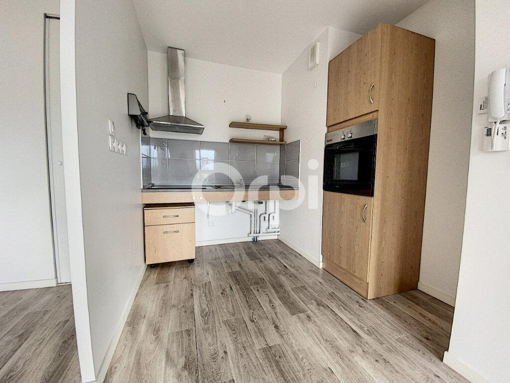 Appartement à louer 2 44.61m2 à Orléans vignette-2