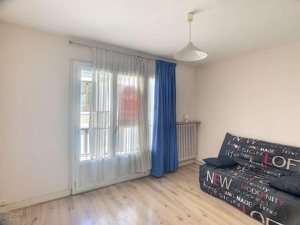 Appartement à louer 1 26.98m2 à Orléans vignette-1