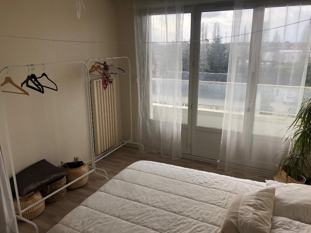 Appartement à louer 2 46m2 à Saint-Jean-de-la-Ruelle vignette-6