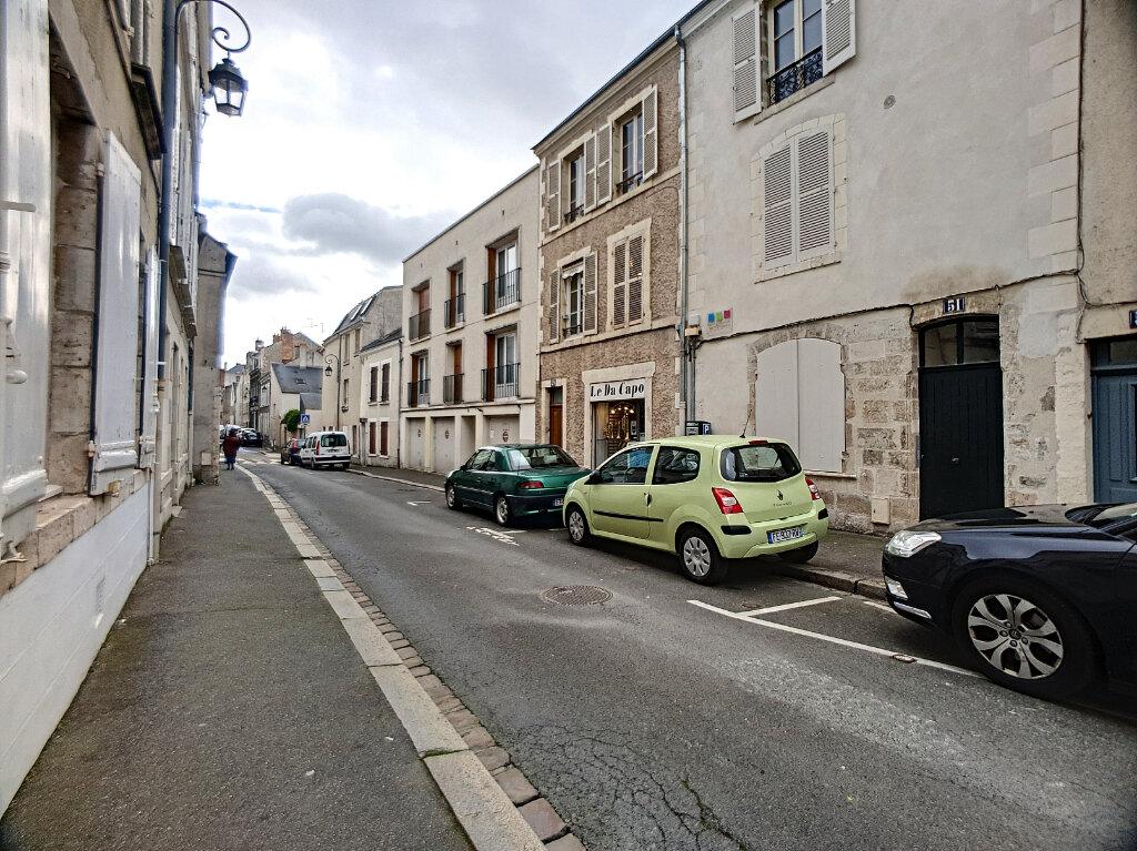 Appartement à louer 1 27m2 à Orléans vignette-1