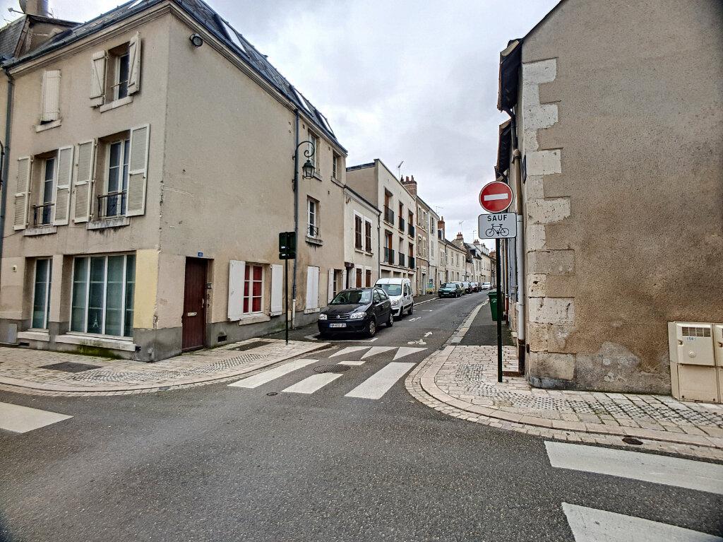 Appartement à louer 1 27m2 à Orléans vignette-2