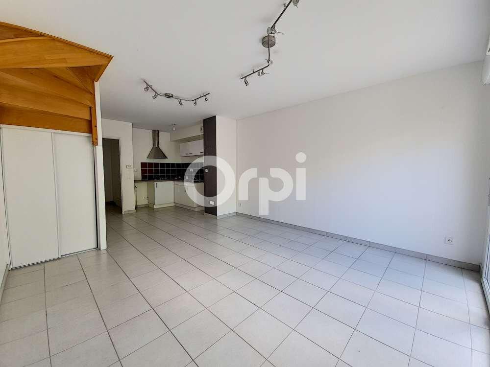 Appartement à louer 3 63.45m2 à Saint-Cyr-en-Val vignette-1